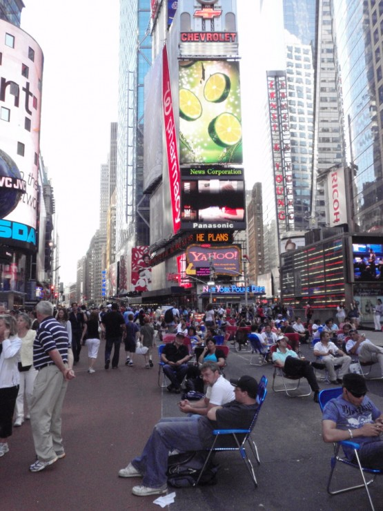 relaxing at times square - the new pedestrian zone