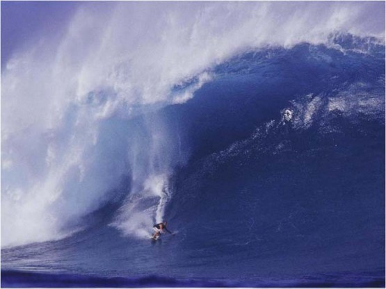Pete Cabrinha going left at Jaws