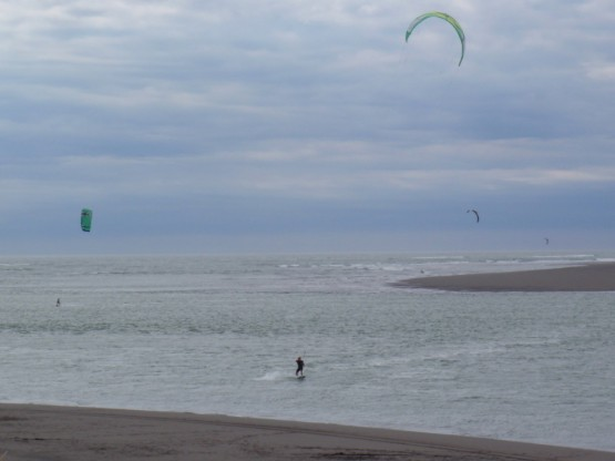 Kiting in Raglan