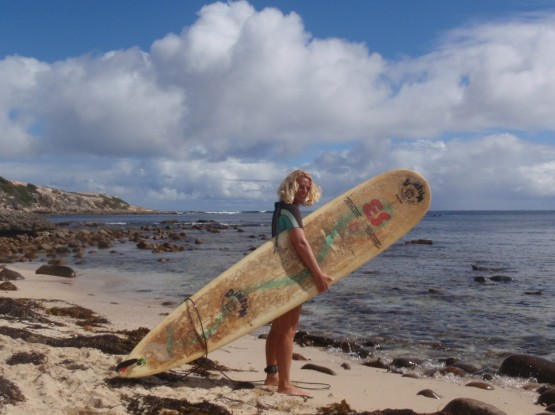 Gesine ready for a Huzzas session: check out the radical shape of this 20 year old longboard